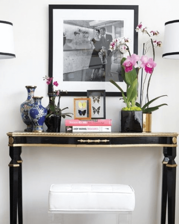 How to Decorate a Console Table in Foyer